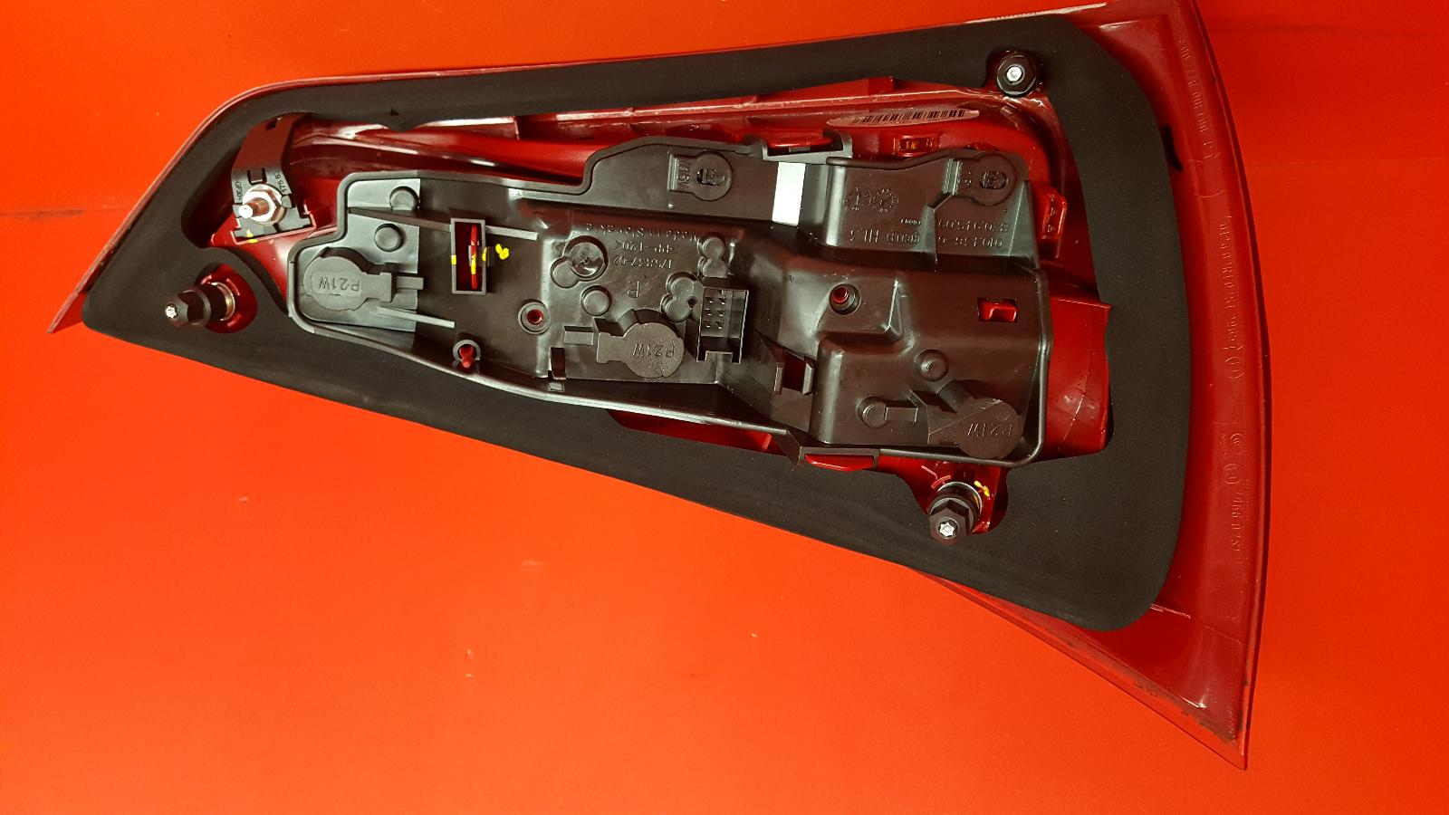 View Auto part R Taillight Audi A1 2013