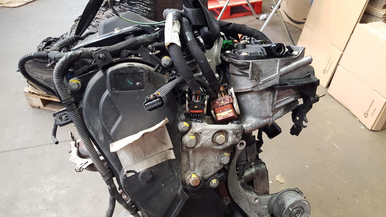View Auto part Engine Toyota Proace 2015