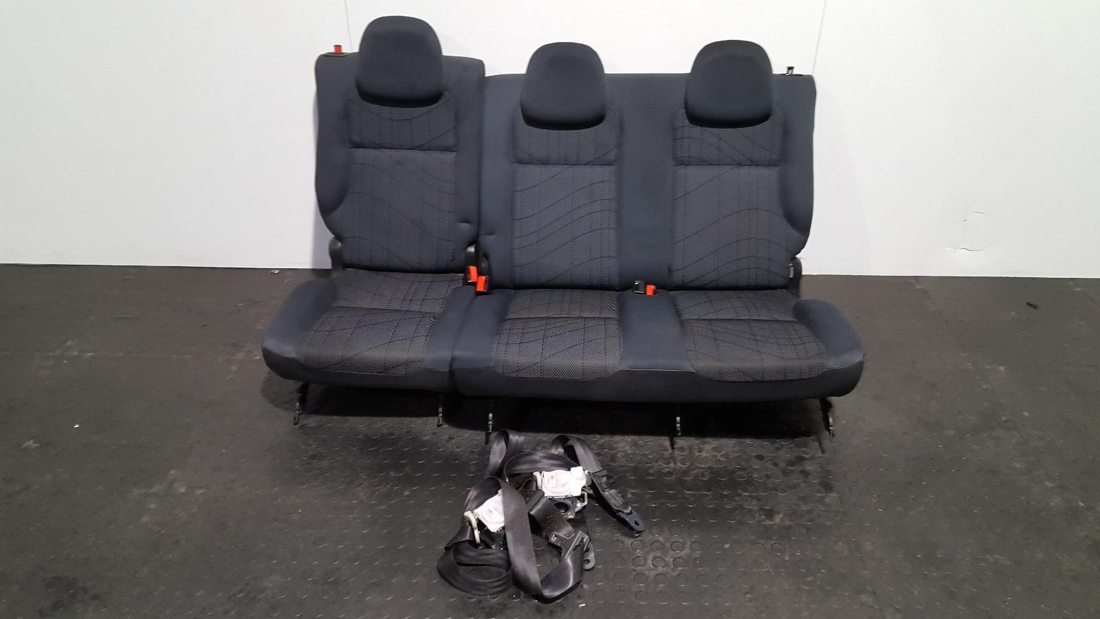 View Auto part 2nd Seat (Rear Seat) Peugeot Partner 2010