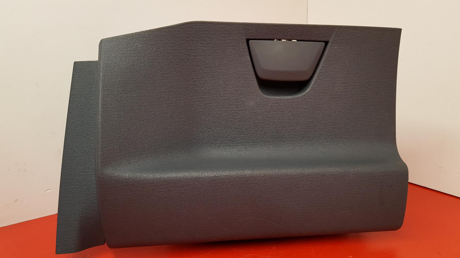 View Auto part Glove Box Ford Ka 2009