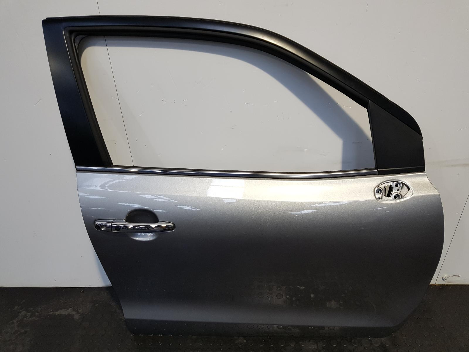View Auto part R Front Door Suzuki Baleno 2019