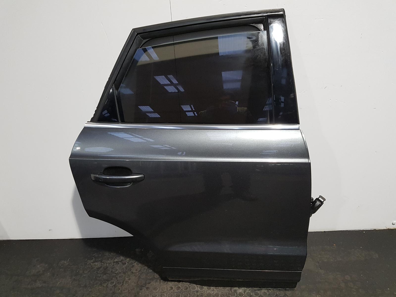 View Auto part R Rear Door Audi Q3 2015