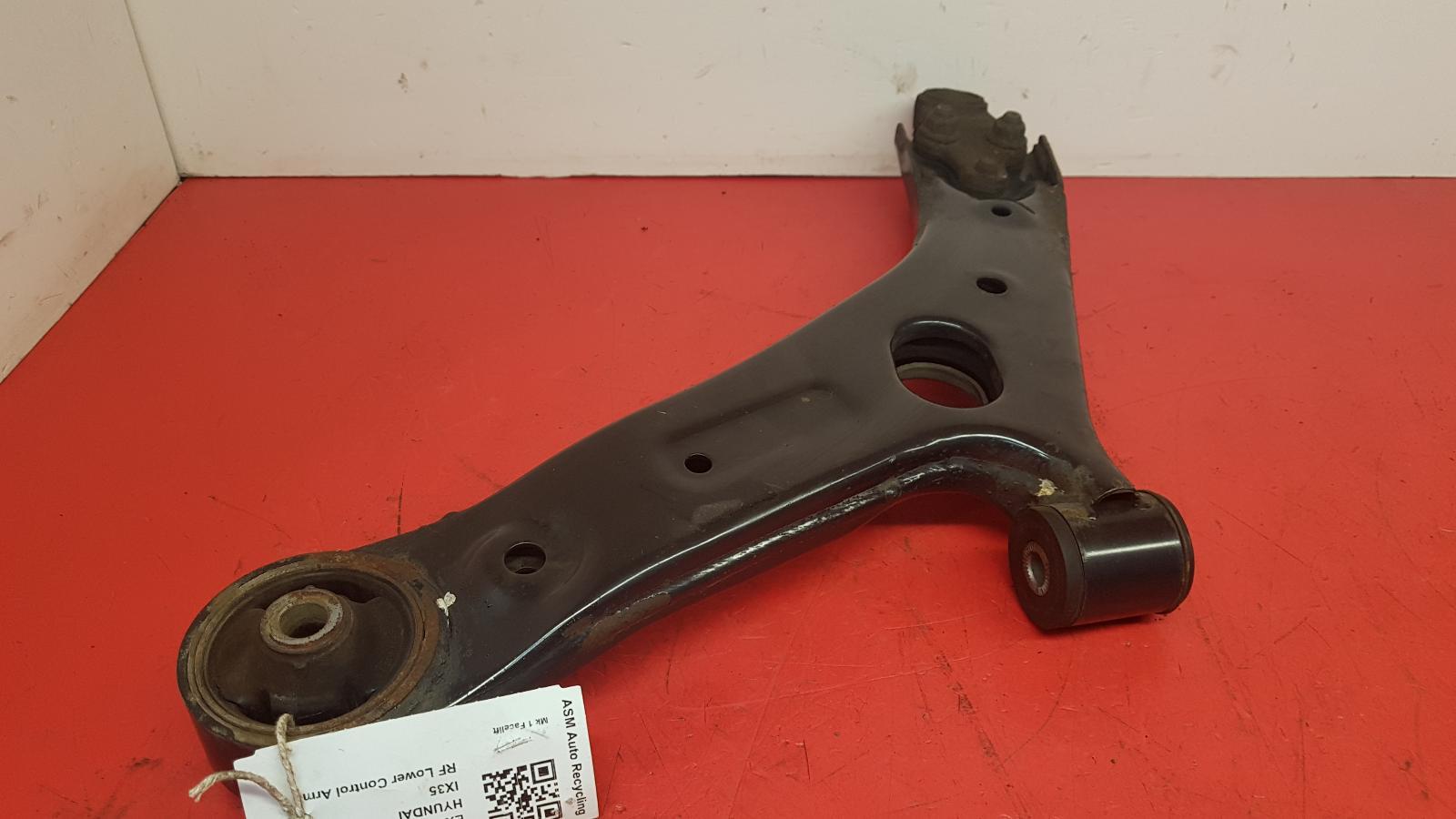 View Auto part RF Lower Control Arm Hyundai Ix35 2014