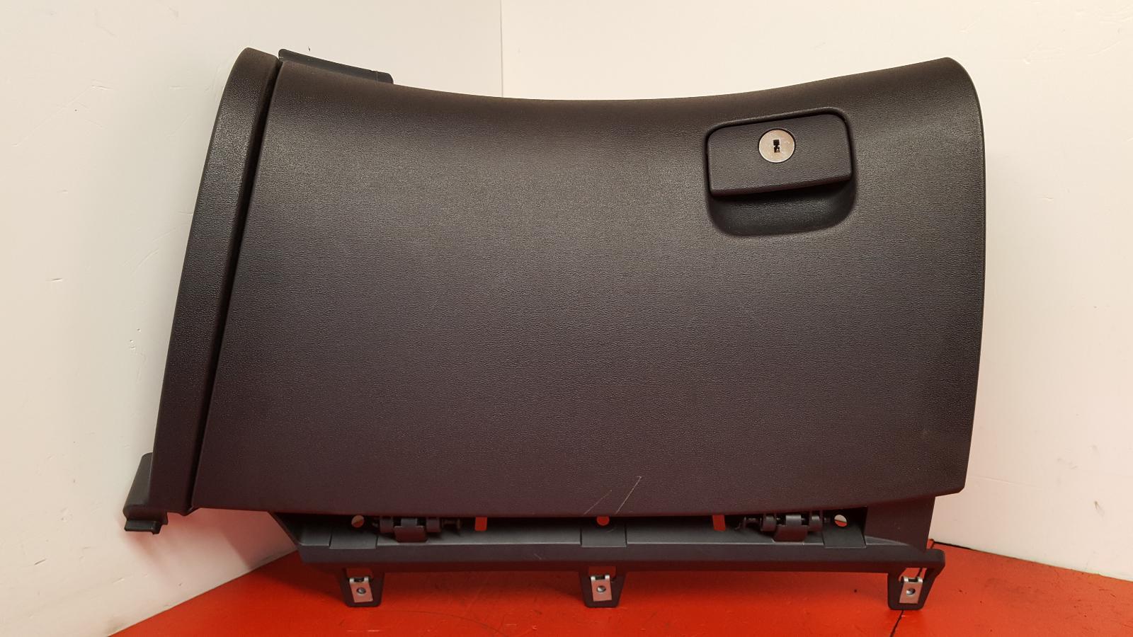View Auto part Glove Box Hyundai I30 2011