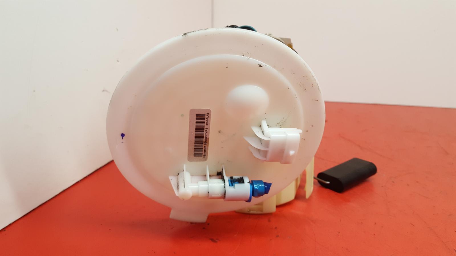 View Auto part Fuel Pump Vauxhall Astra 2009