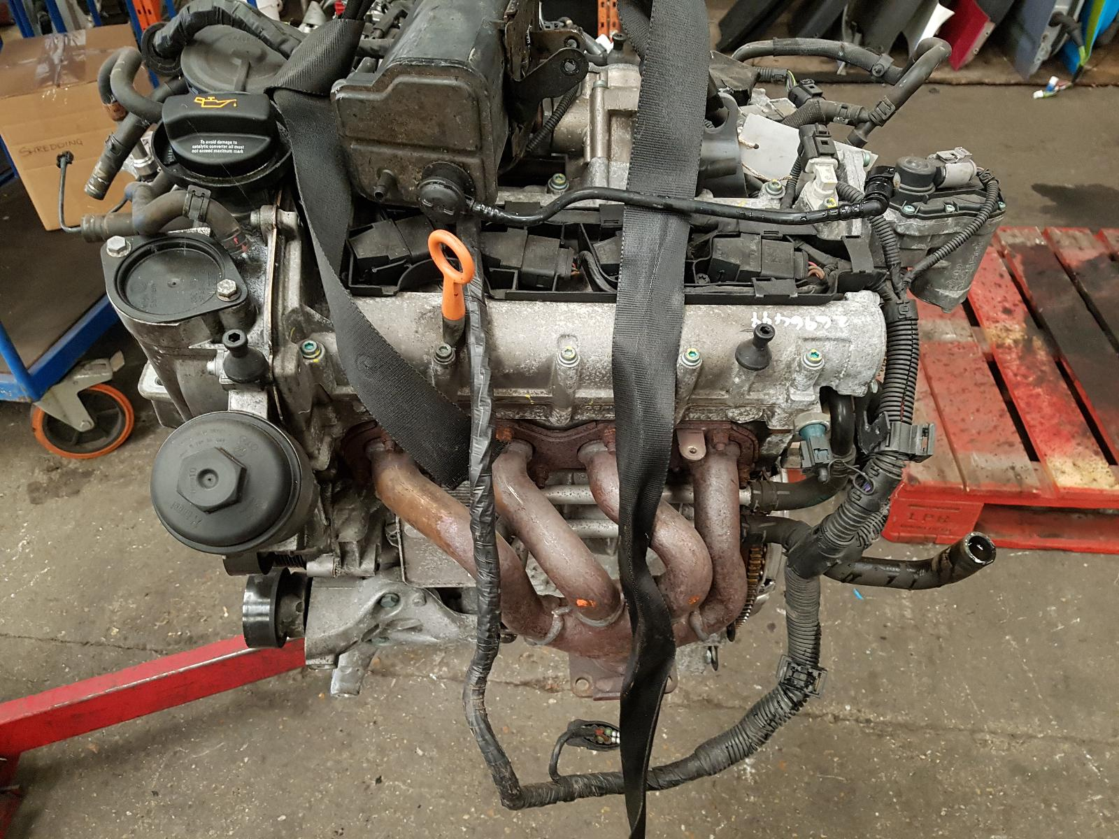 View Auto part Engine Volkswagen Golf 2005
