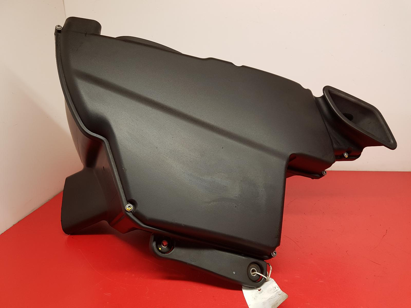 View Auto part Air Cleaner/Box Bmw 3 Series 2011