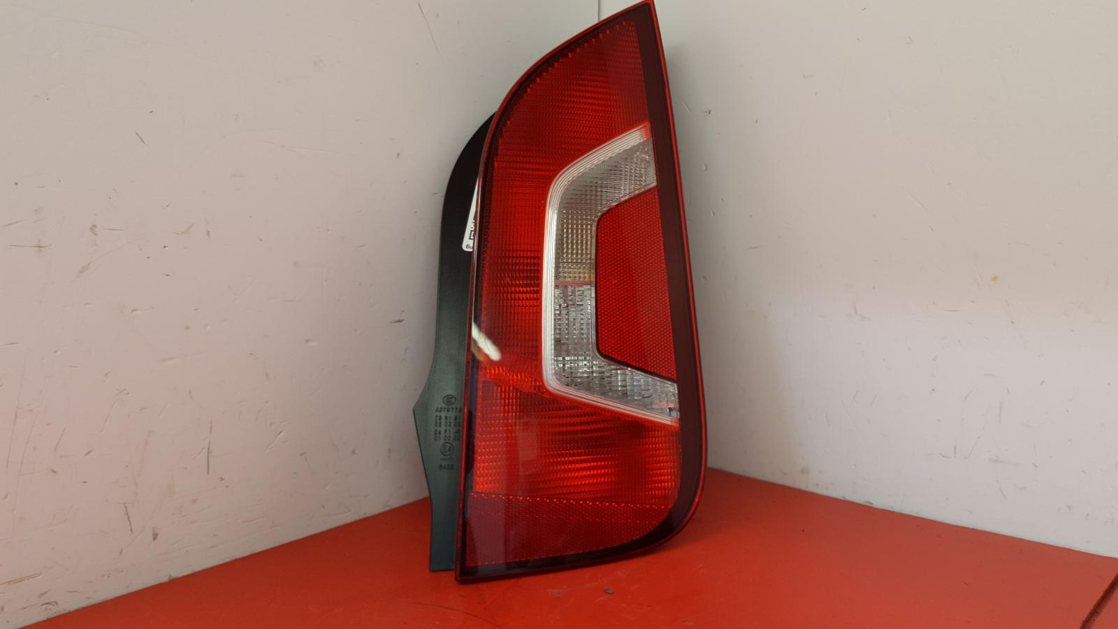 View Auto part R Taillight Volkswagen Up 2014