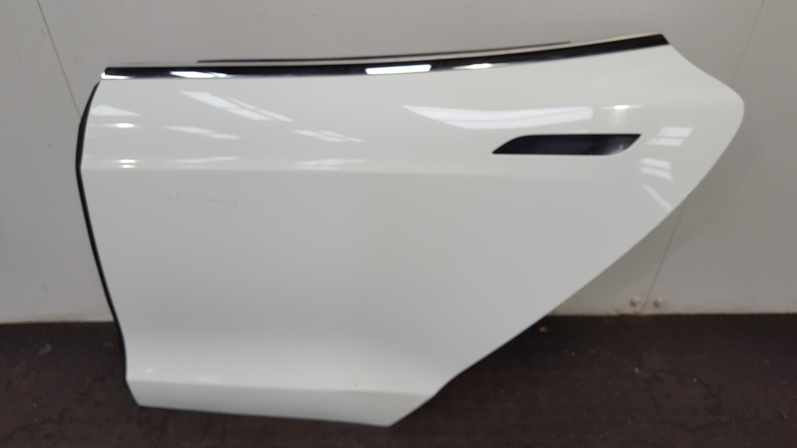 View Auto part L Rear Door Tesla Model S 2017