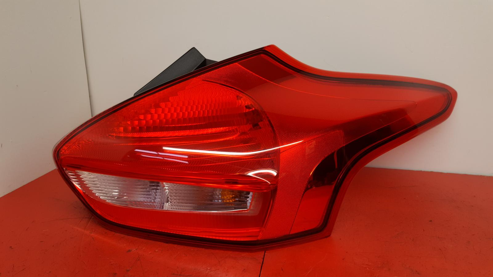 View Auto part R Taillight Ford Focus 2018