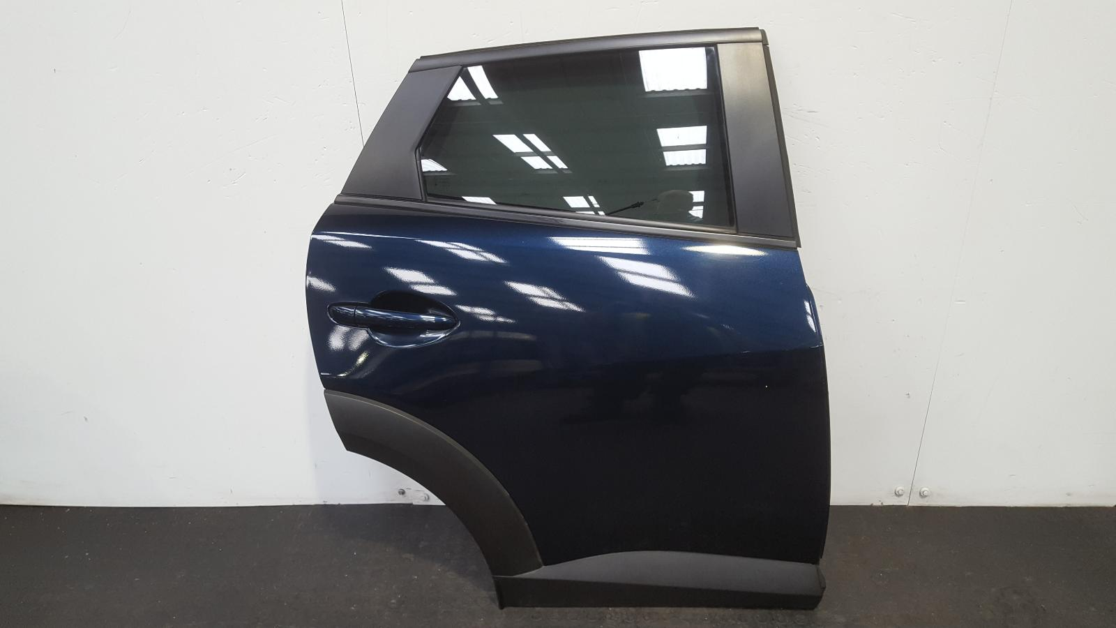 View Auto part R Rear Door Mazda Cx-3 2016