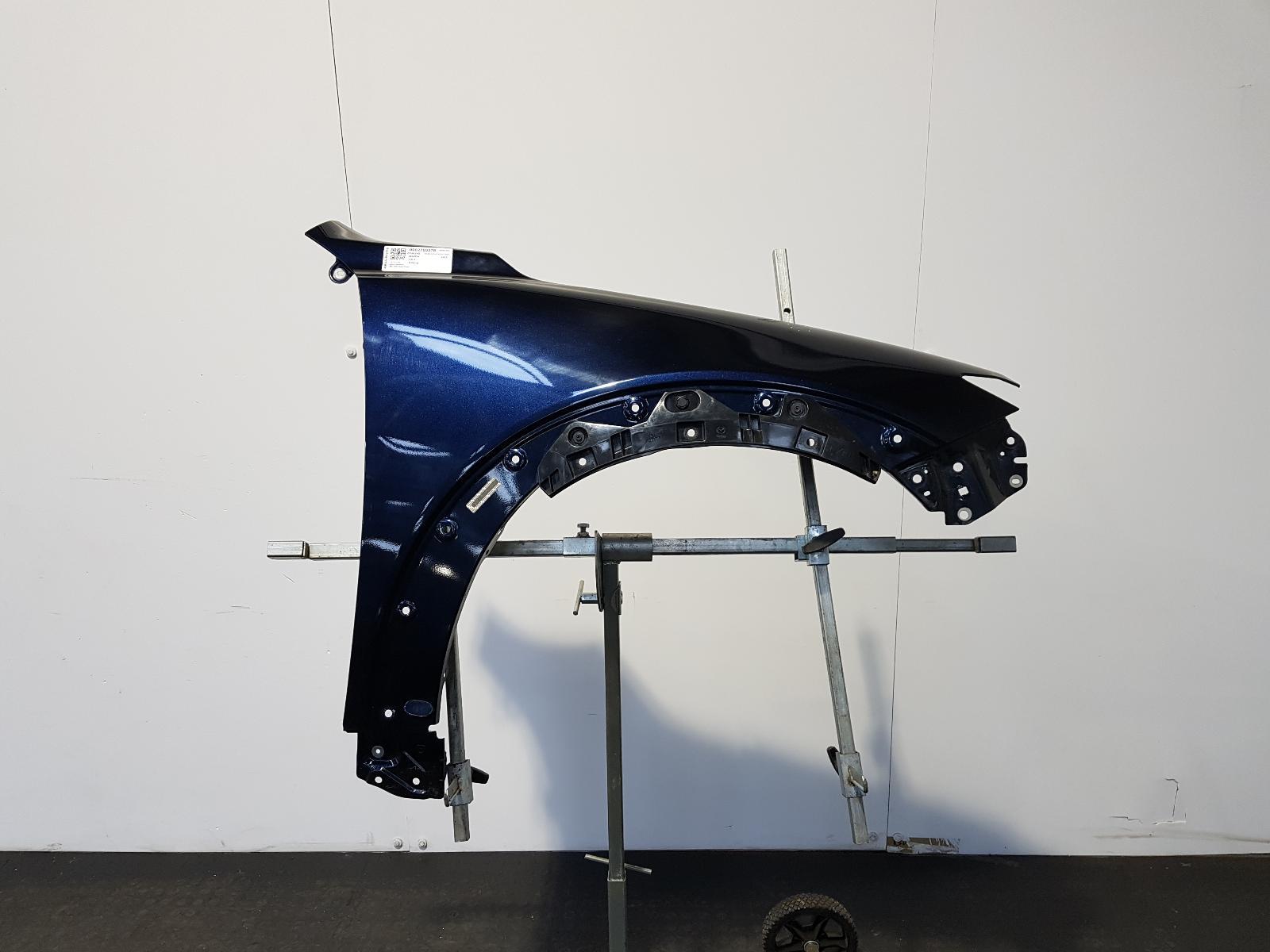 View Auto part R Wing Mazda Cx-3 2016