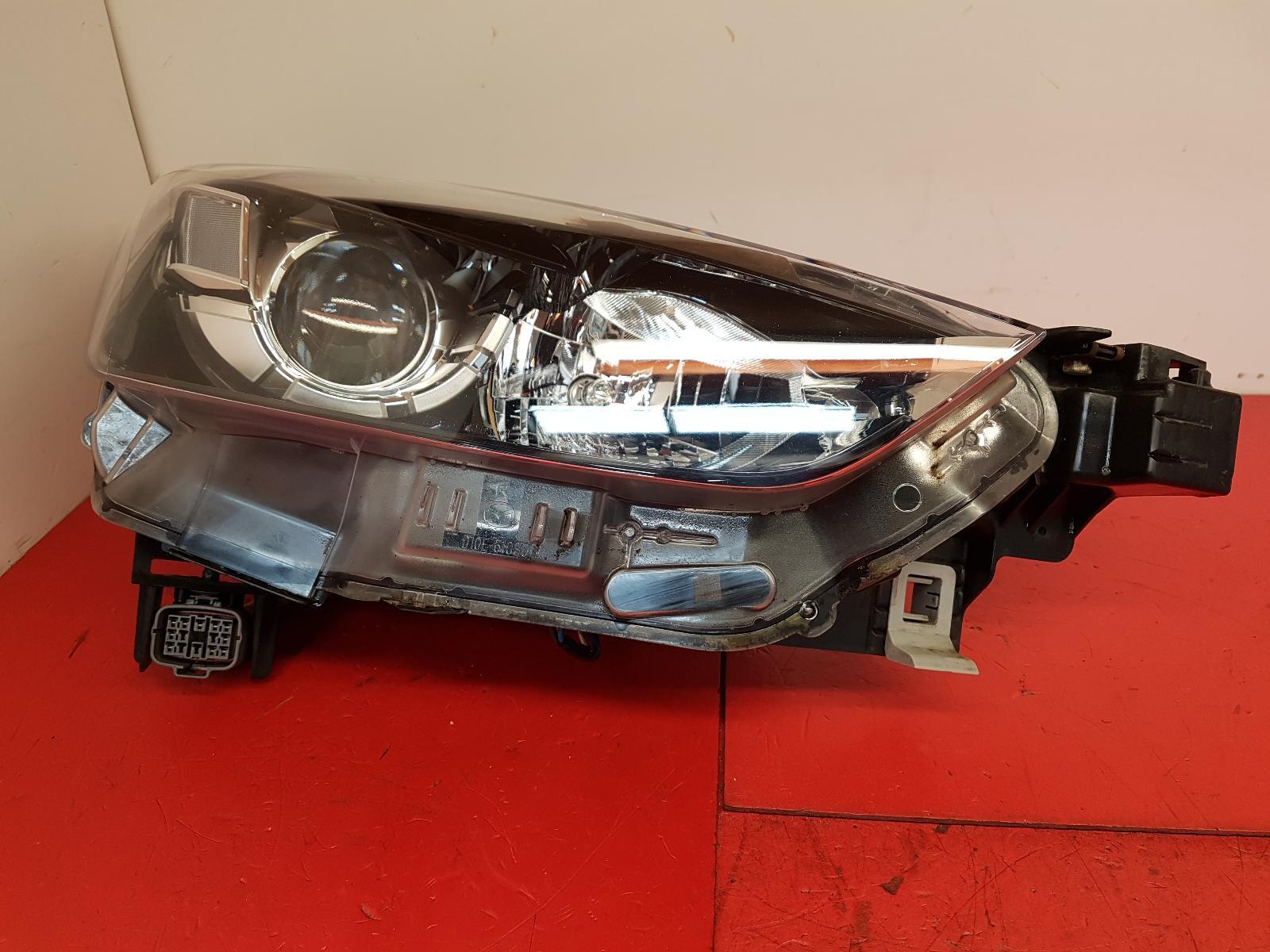 View Auto part R Headlamp Mazda Cx-3 2016
