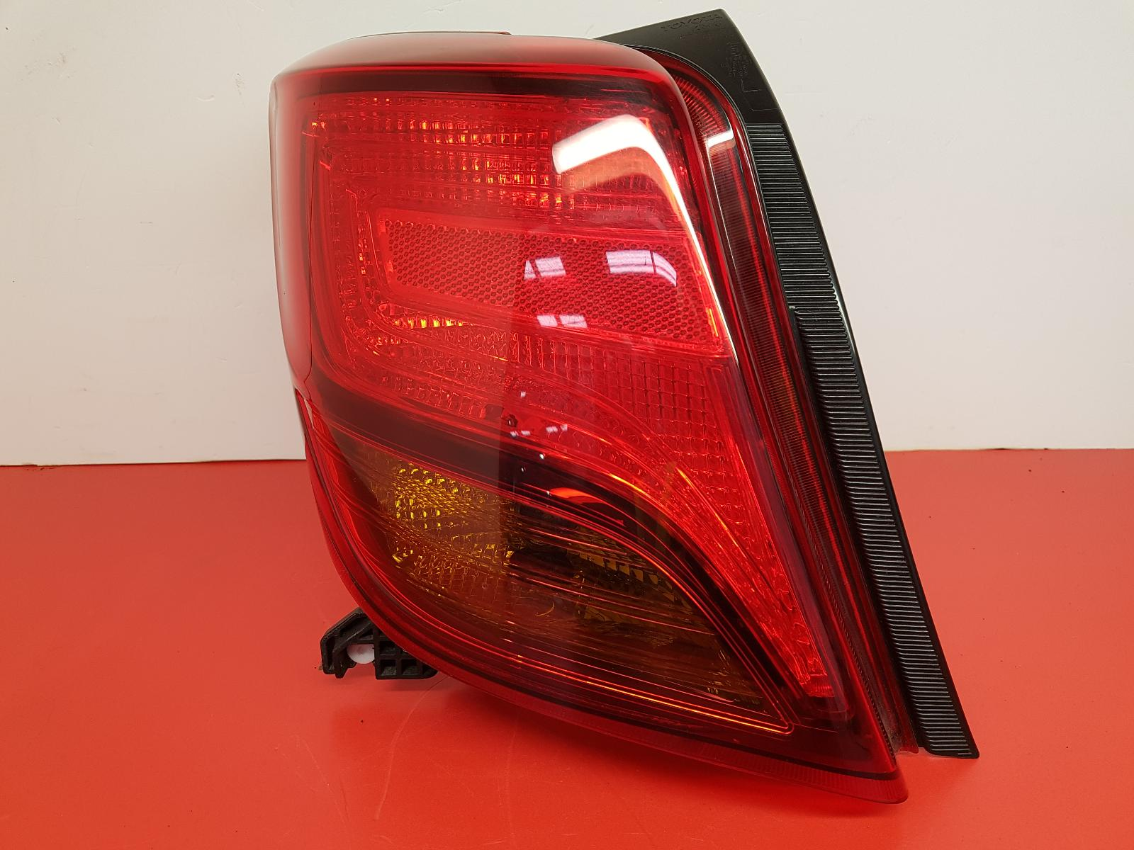 View Auto part L Taillight Toyota Yaris 2015