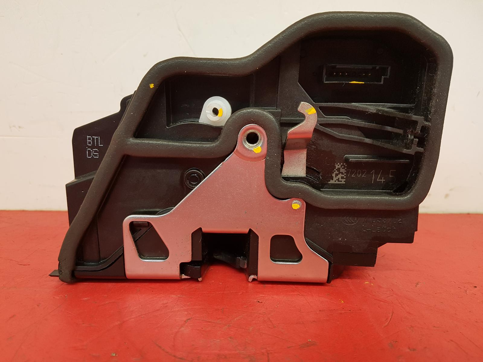 View Auto part Door Lock Assembly Bmw 4 Series 2016