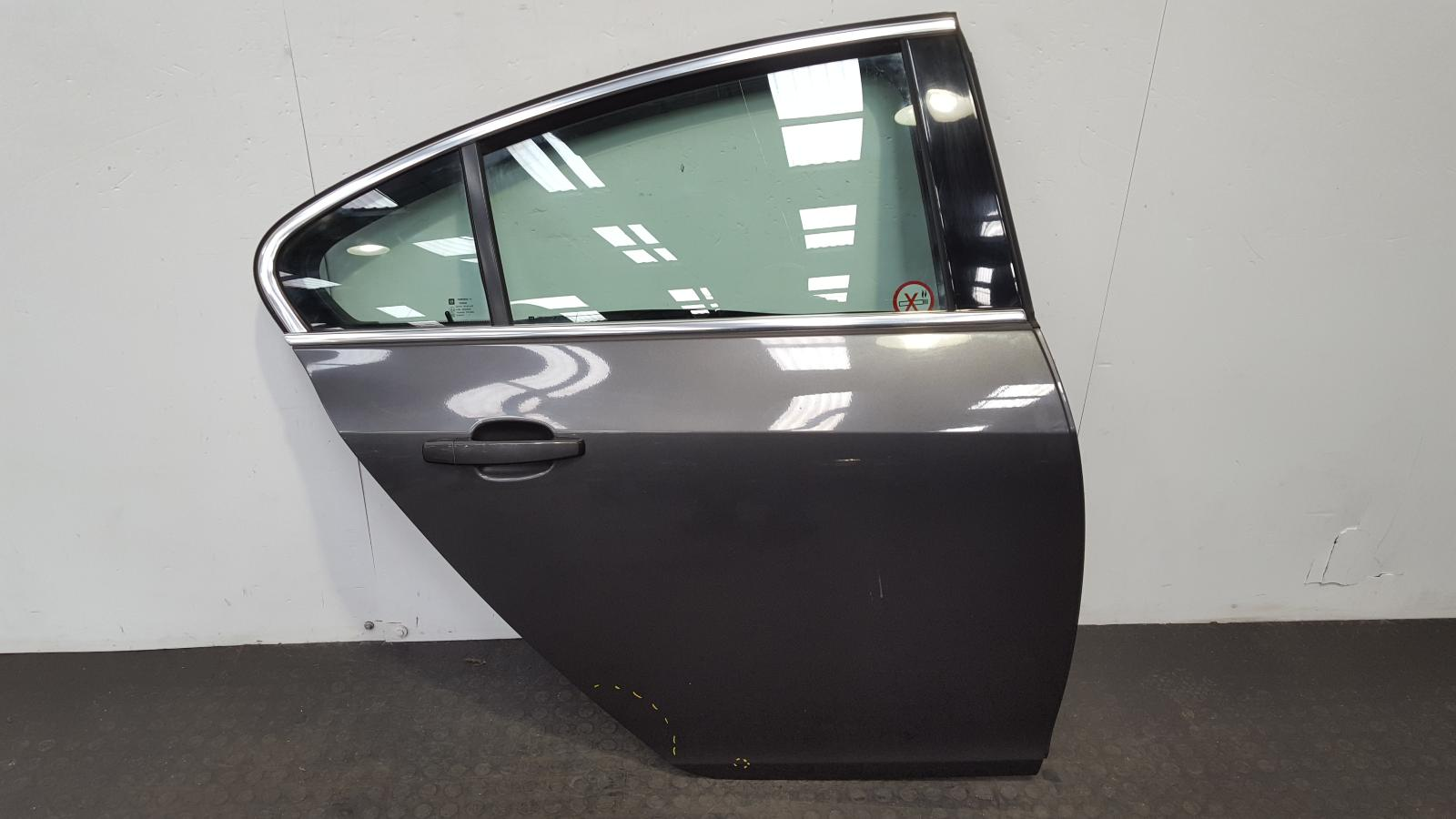 View Auto part R Rear Door Vauxhall Insignia 2011