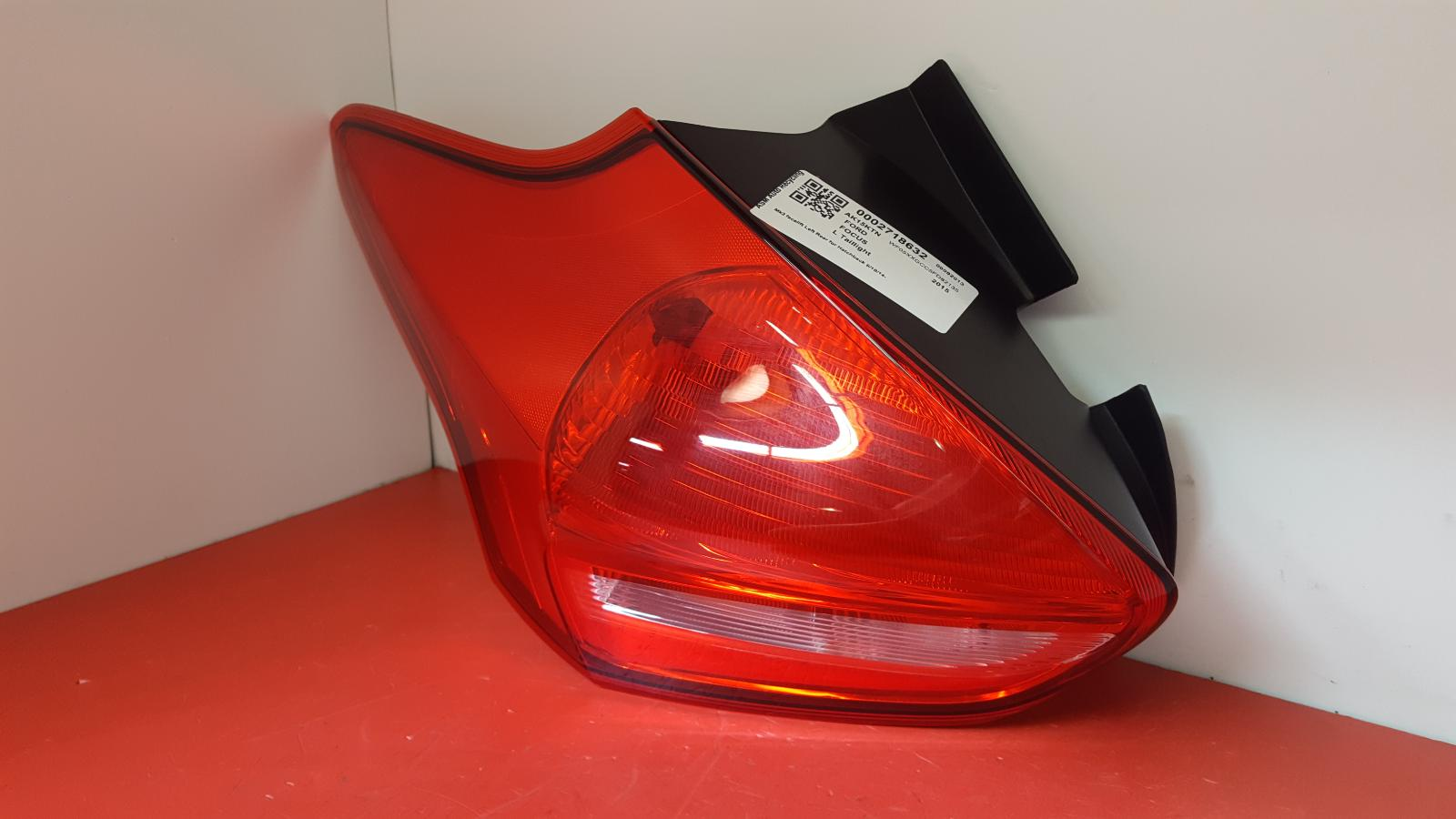 View Auto part L Taillight Ford Focus 2015