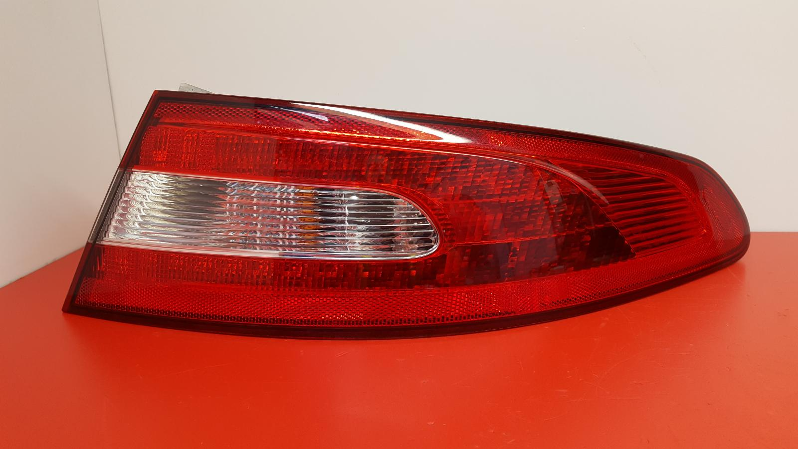 View Auto part R Taillight Jaguar Xf 2009