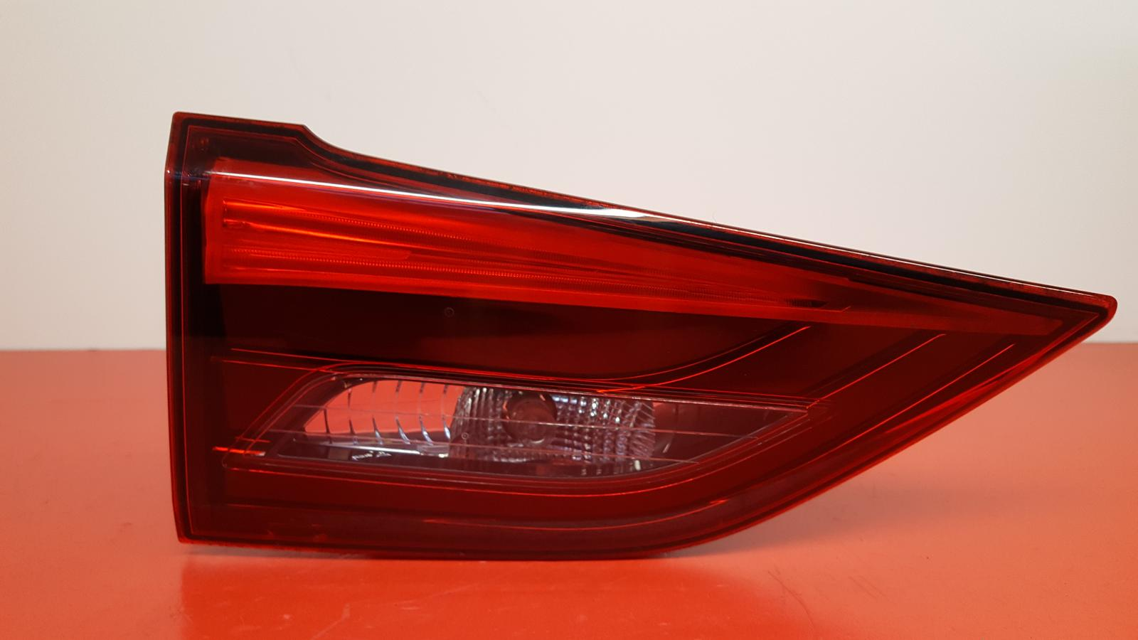 View Auto part L Taillight Toyota Avensis 2015