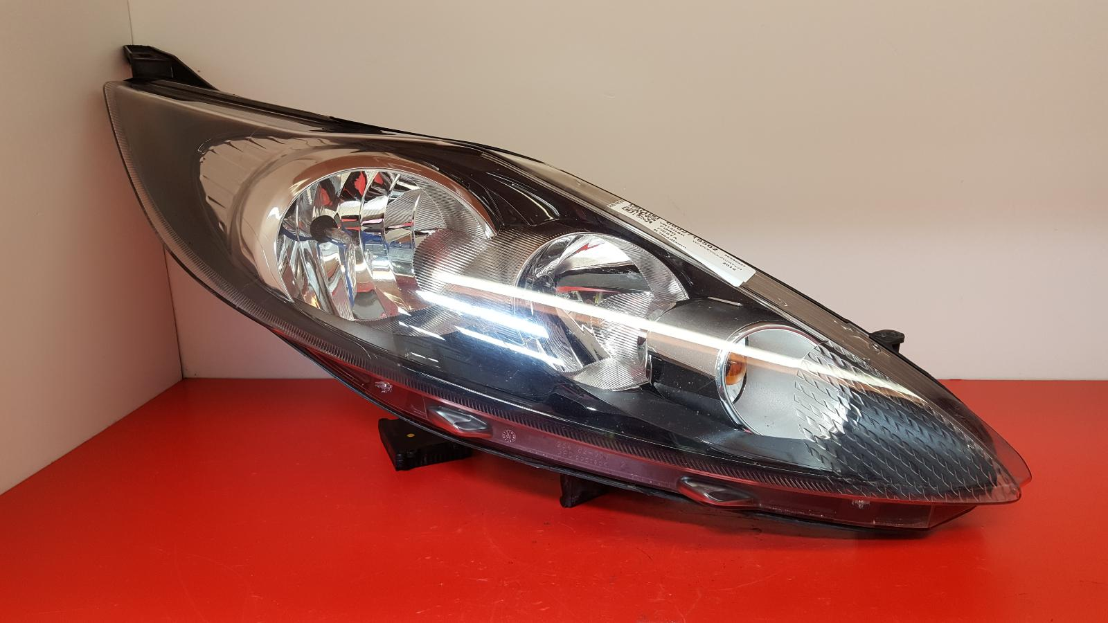 View Auto part R Headlamp Ford Fiesta 2012