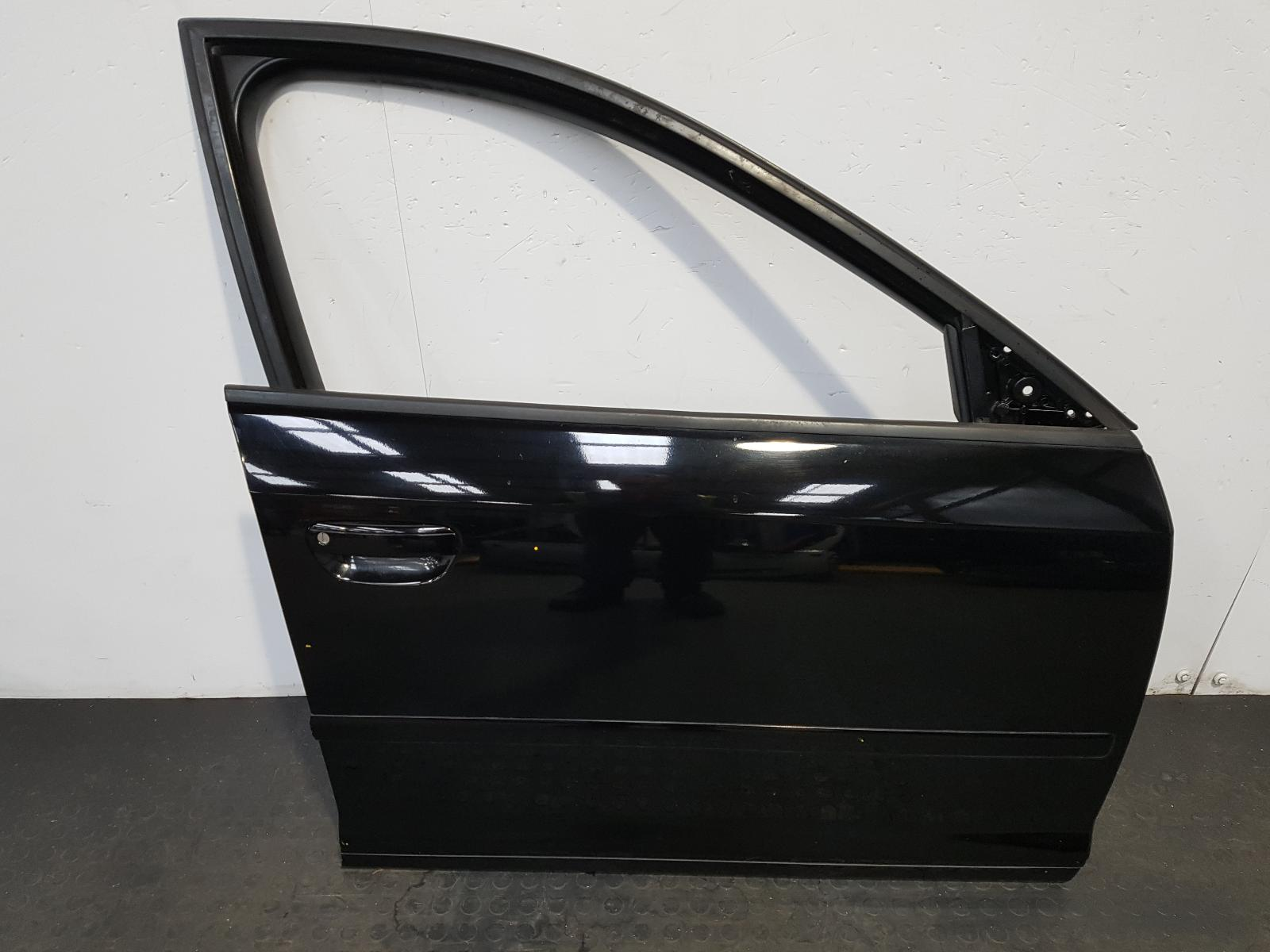 View Auto part R Front Door Audi A3 2010