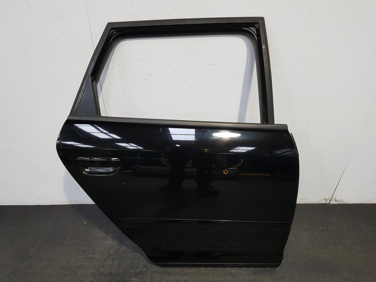 View Auto part R Rear Door Audi A3 2010