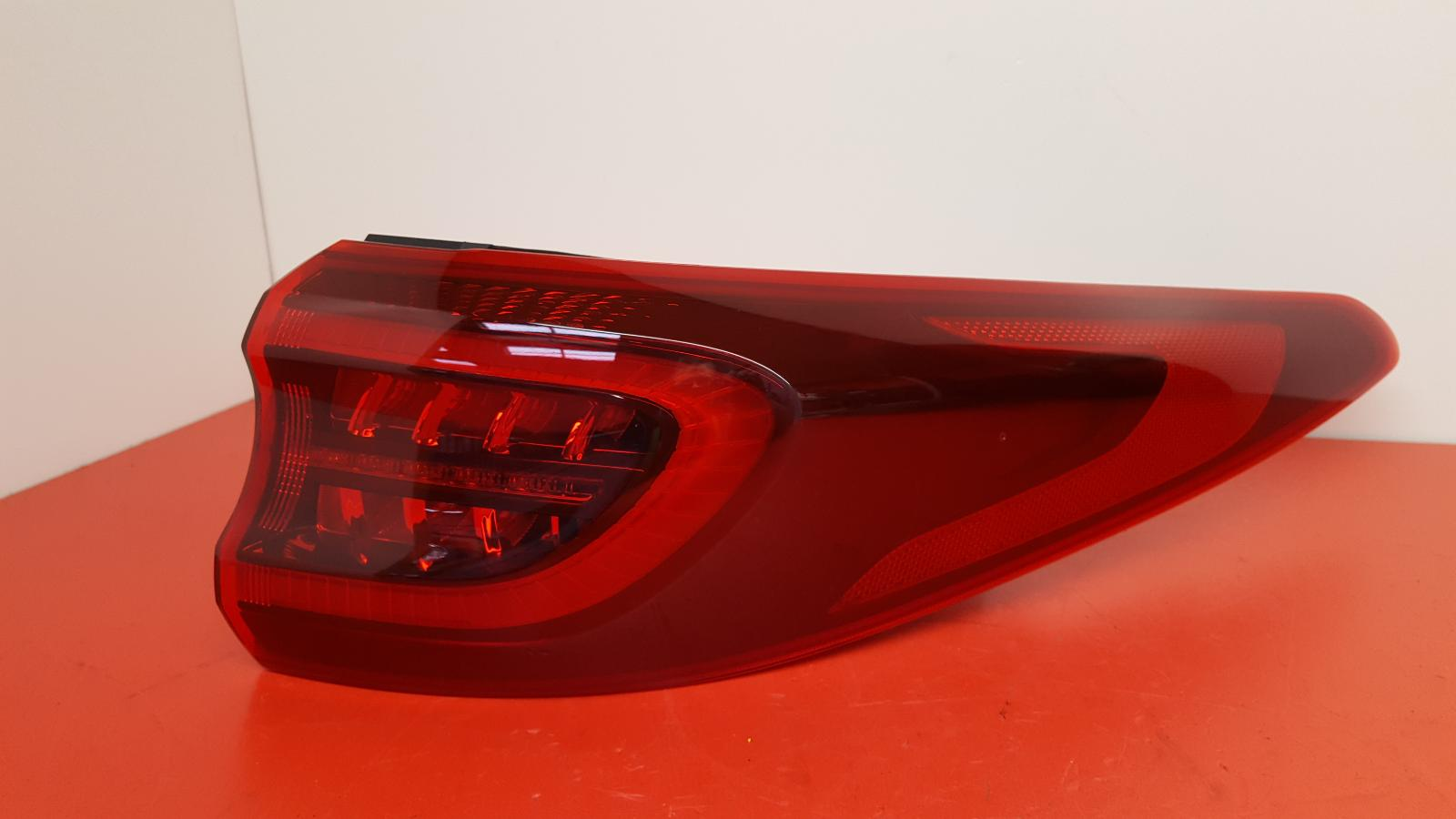 View Auto part R Taillight Kia Sportage 2020