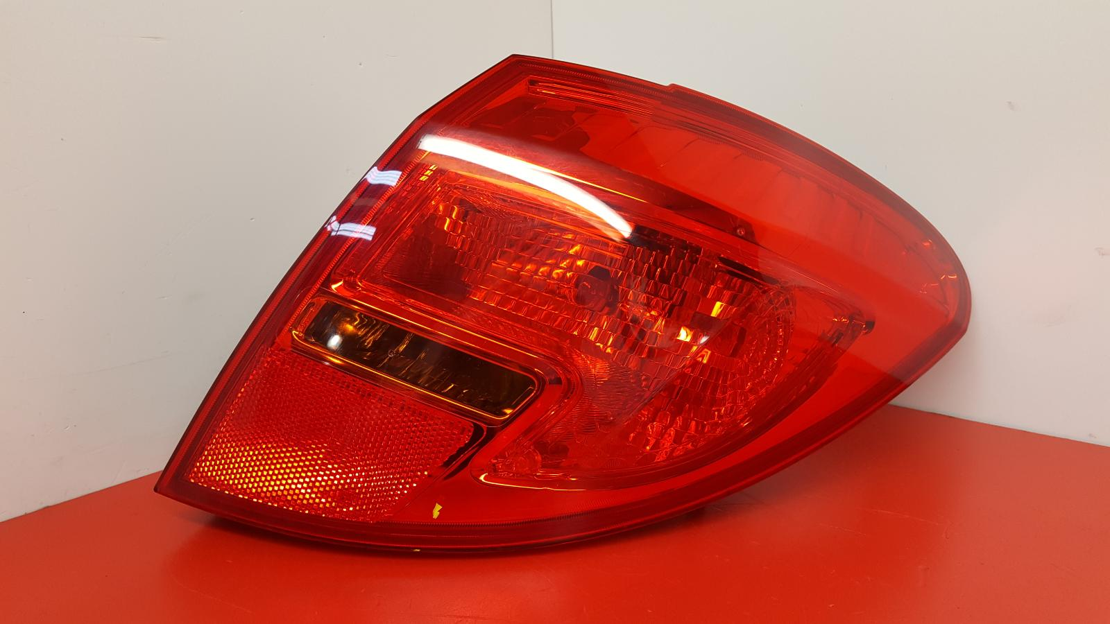 View Auto part R Taillight Vauxhall Meriva 2016