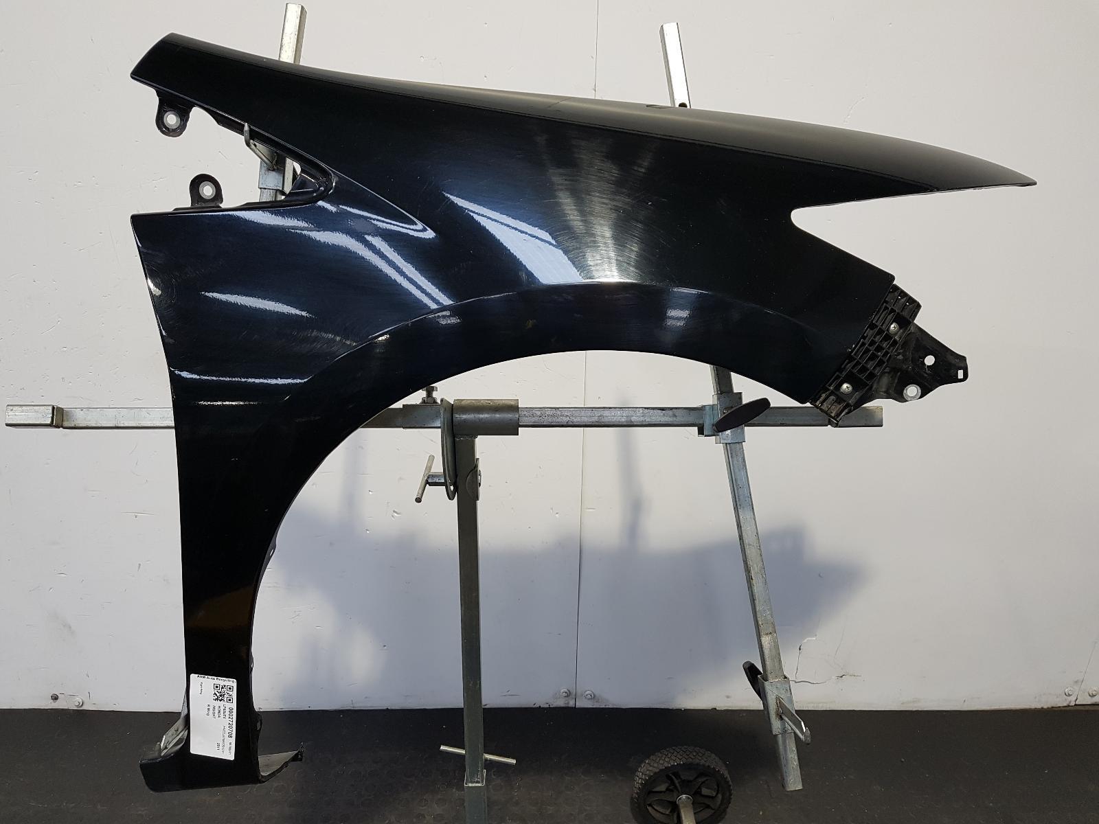 View Auto part R Wing Honda Insight 2011
