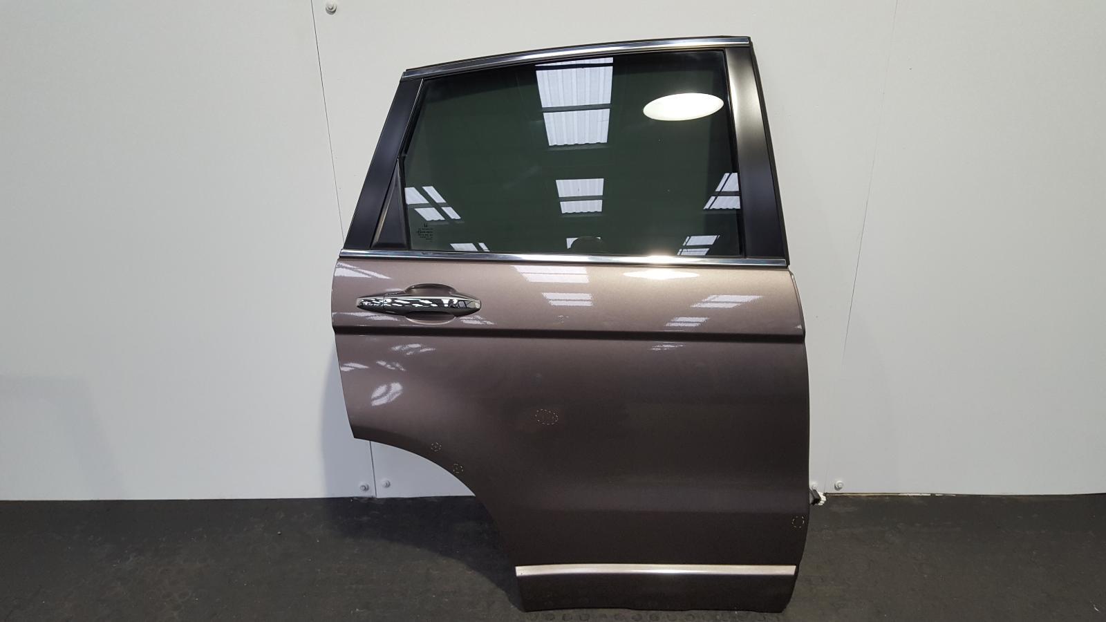 View Auto part R Rear Door Honda Crv 2012