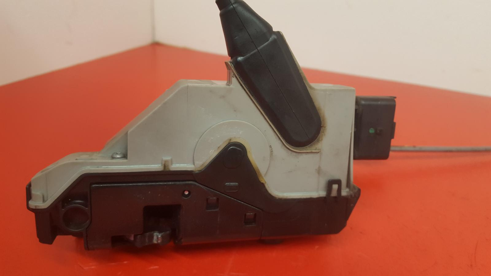 View Auto part Door Lock Assembly Citroen Ds5 2013