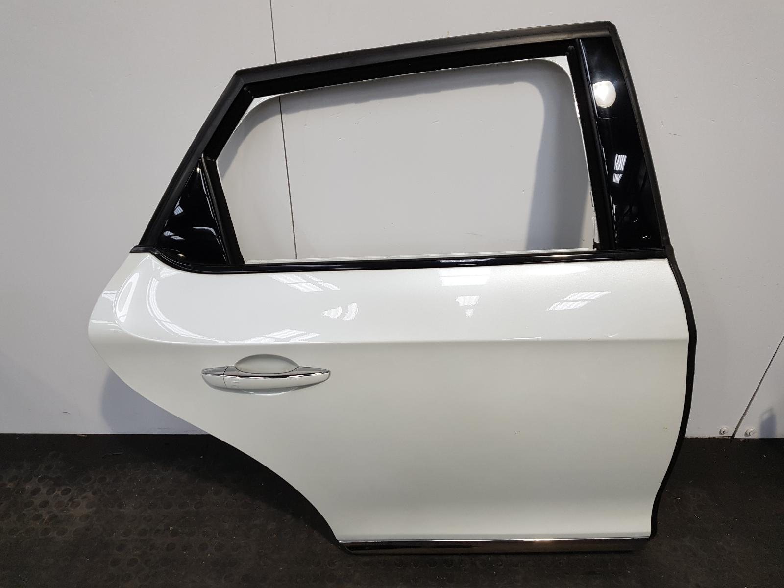 View Auto part R Rear Door Citroen Ds5 2013