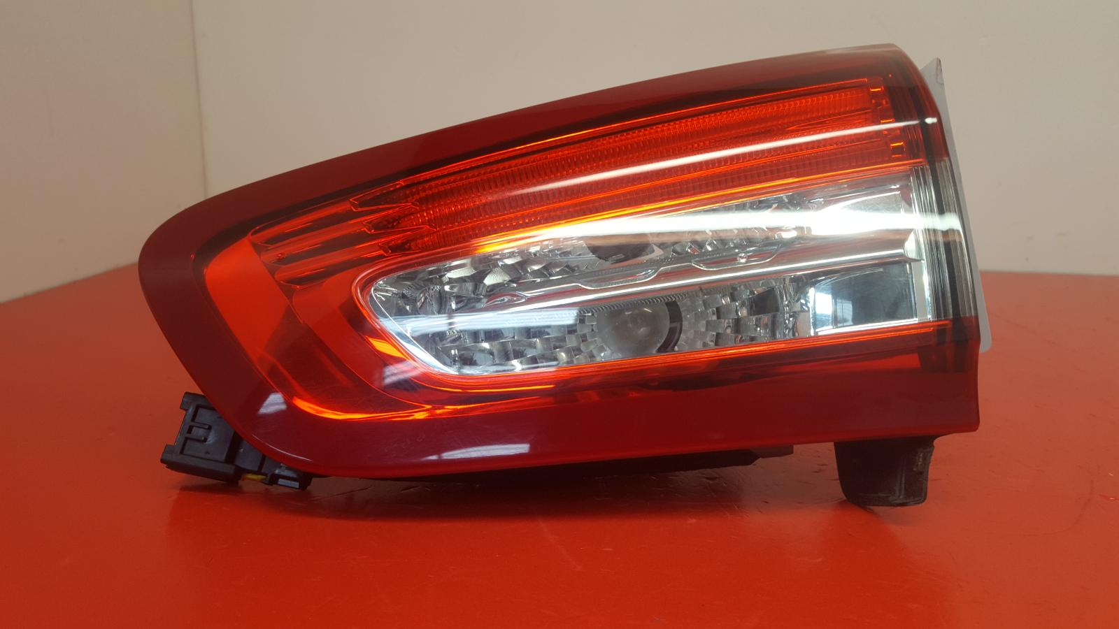 View Auto part R Taillight Citroen Ds5 2013