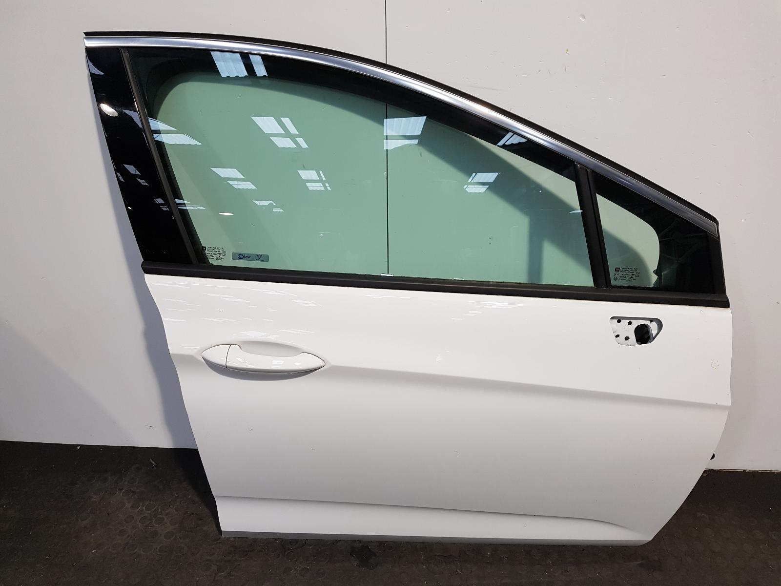 View Auto part R Front Door Vauxhall Astra 2017