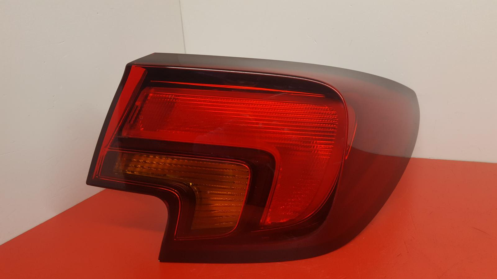 View Auto part R Taillight Vauxhall Astra 2017