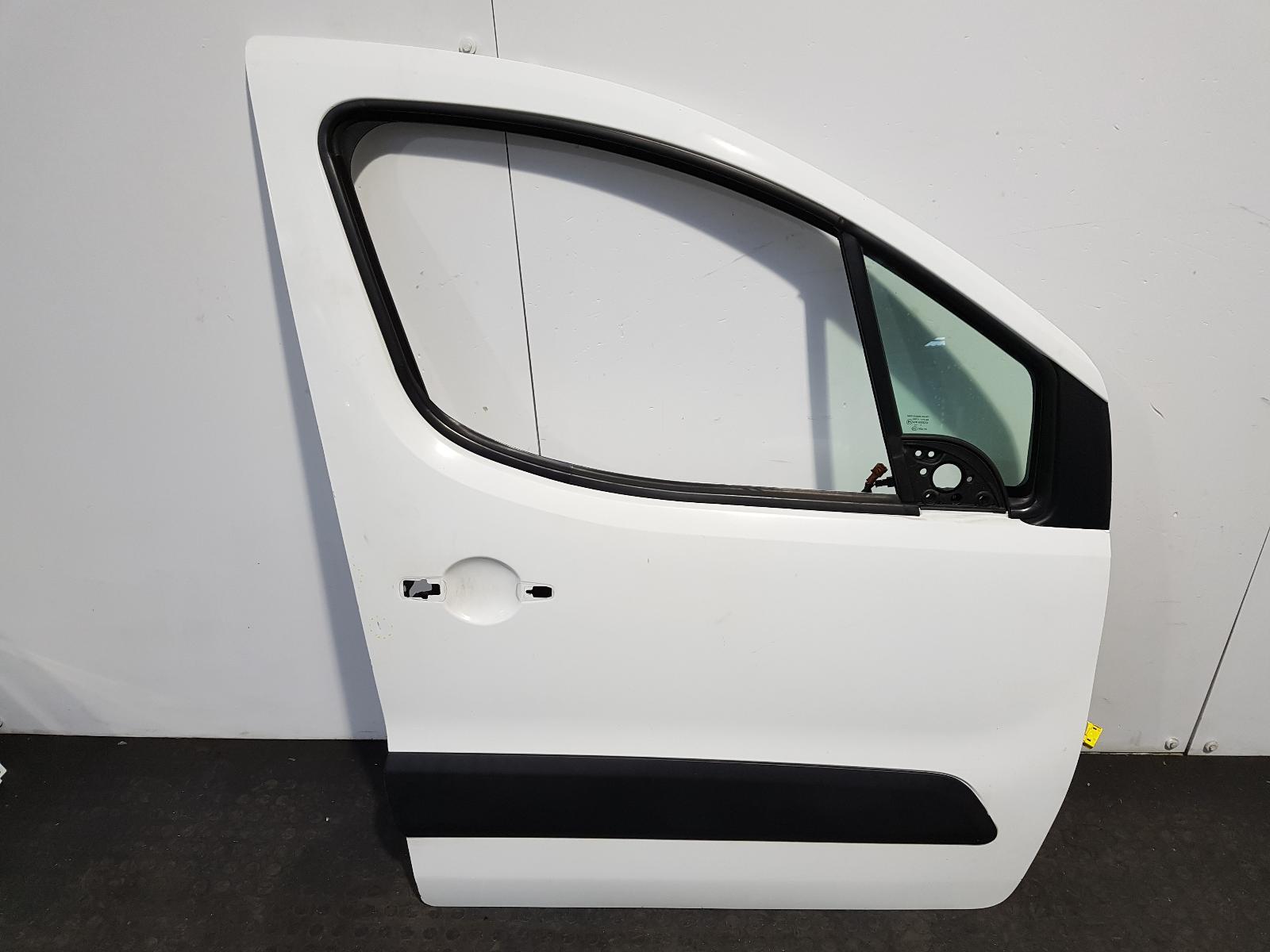 View Auto part R Front Door Citroen Berlingo 2012