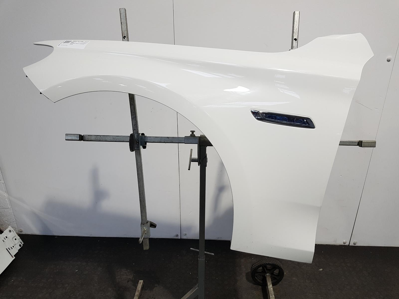 View Auto part L Wing Bmw 5 Series Gran Turismo (gt) 2013