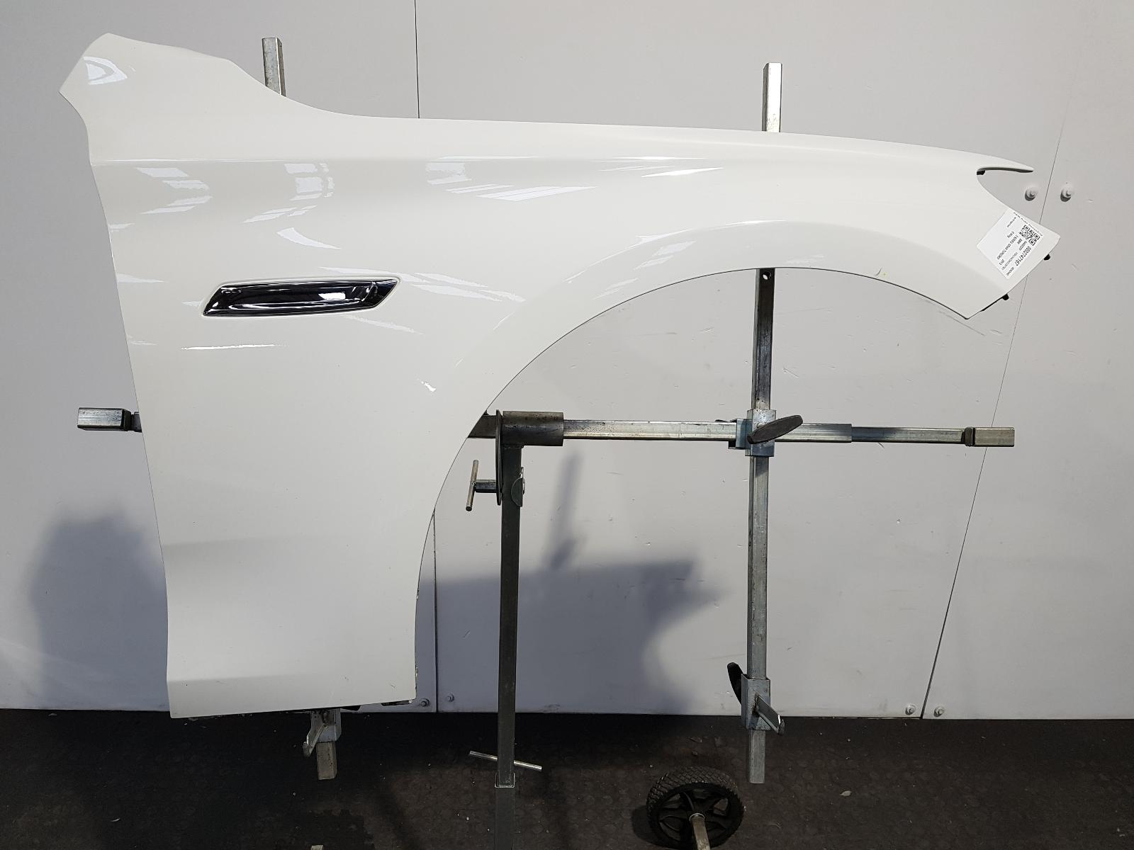 View Auto part R Wing Bmw 5 Series Gran Turismo (gt) 2013