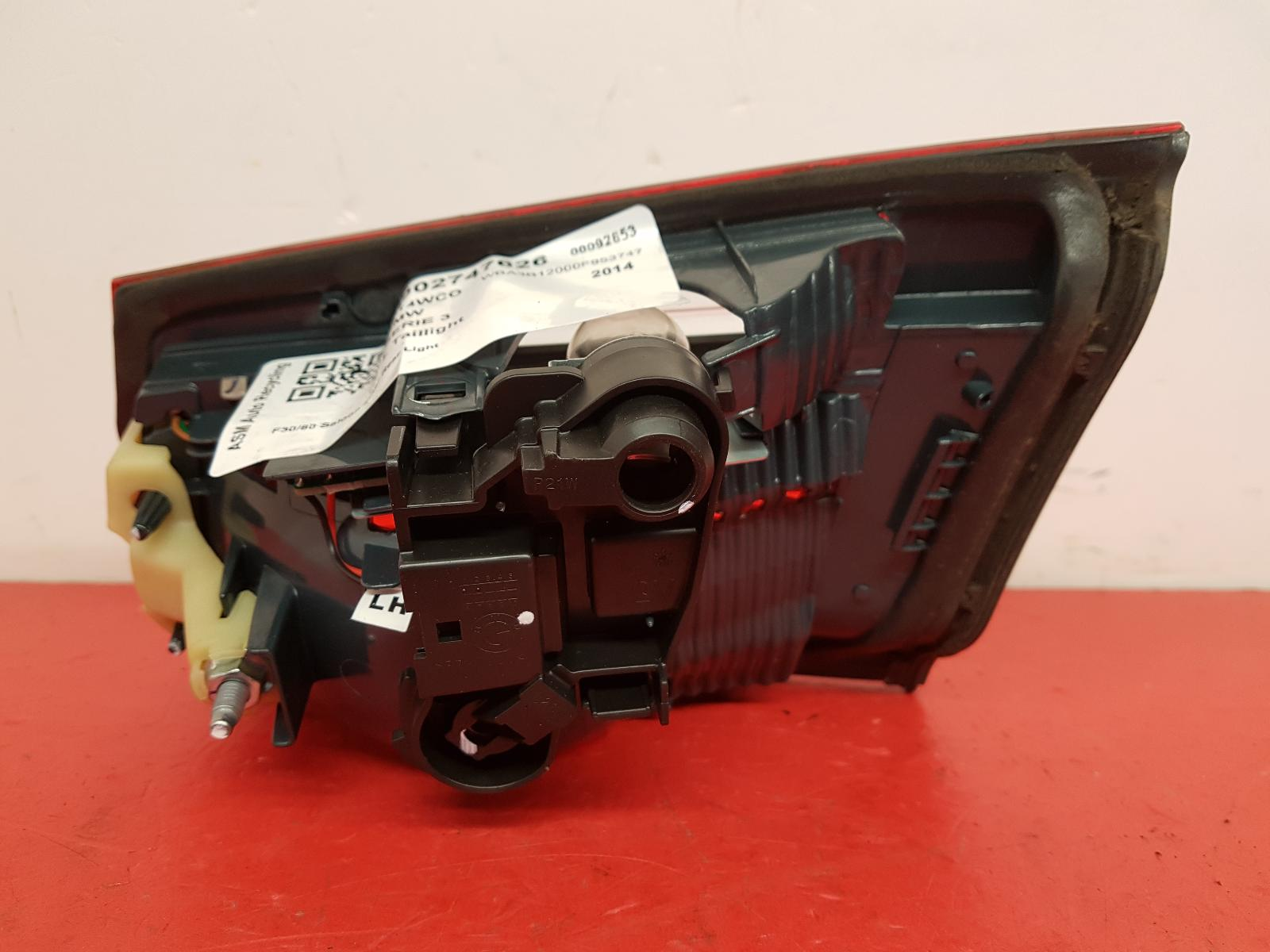 View Auto part L Taillight Bmw 3 Series 2014