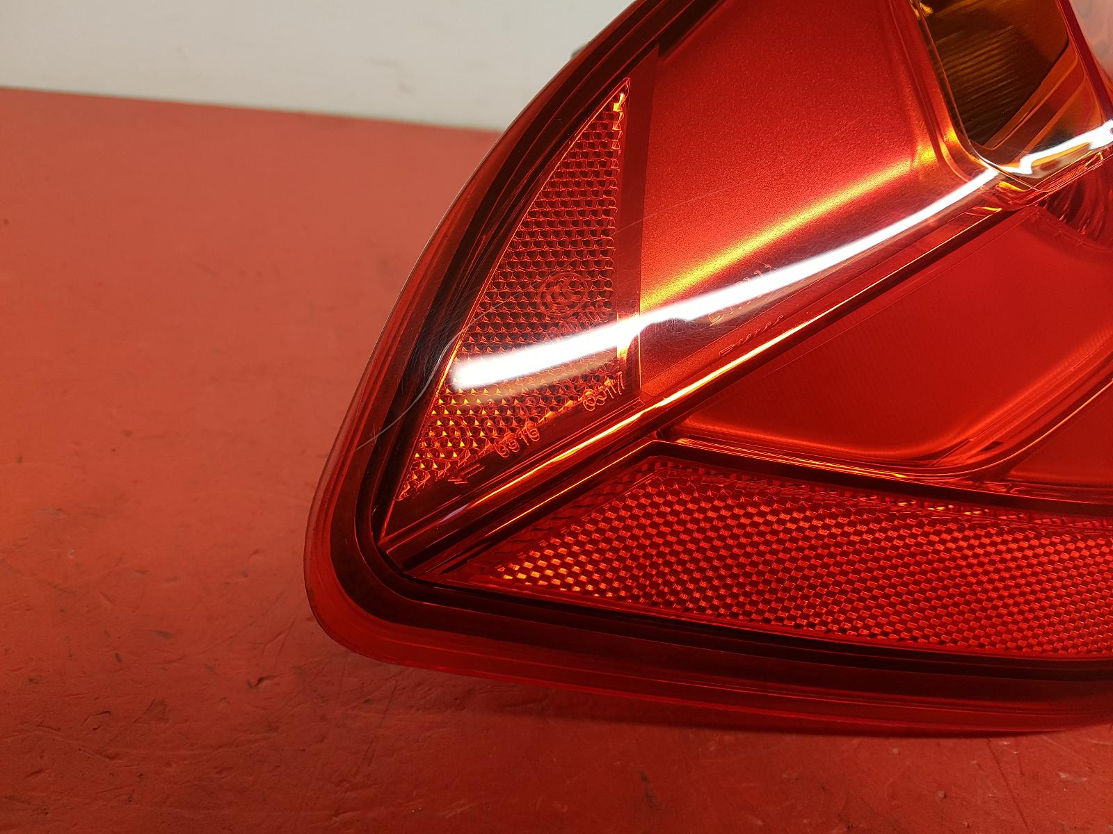 View Auto part L Taillight Bmw 3 Series 2014
