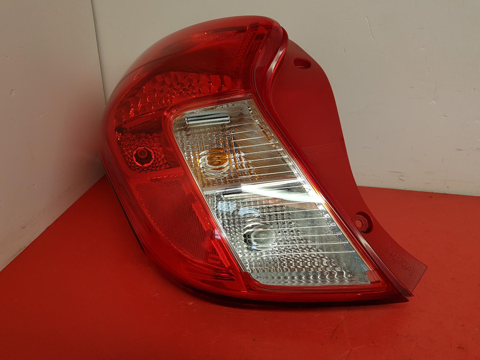 View Auto part L Taillight Vauxhall Viva 2016