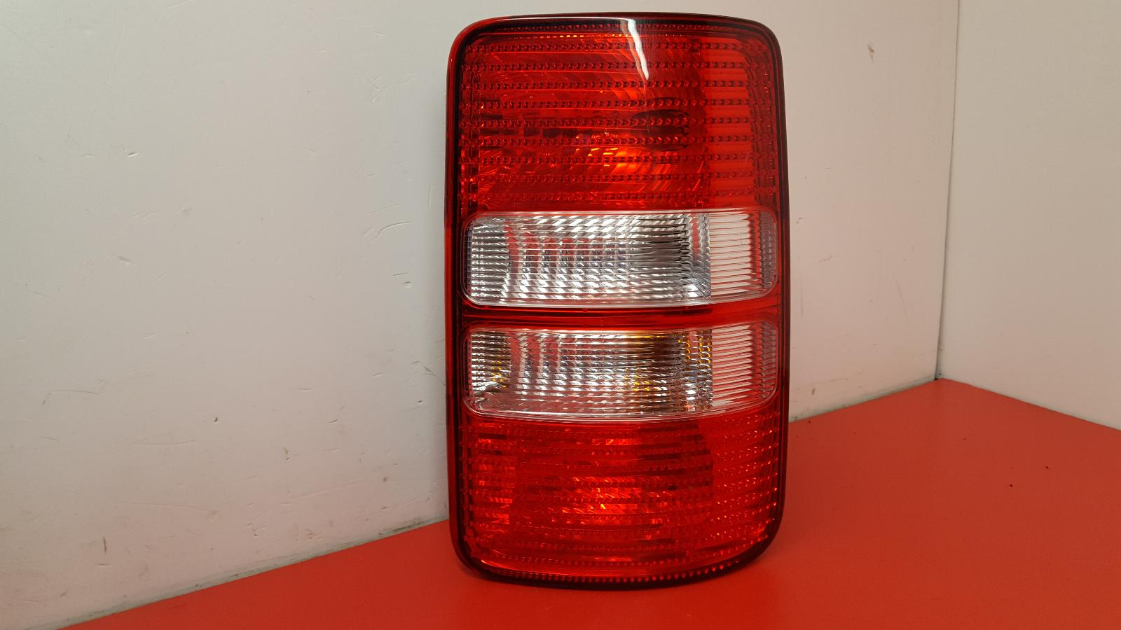 View Auto part R Taillight Volkswagen Caddy 2012