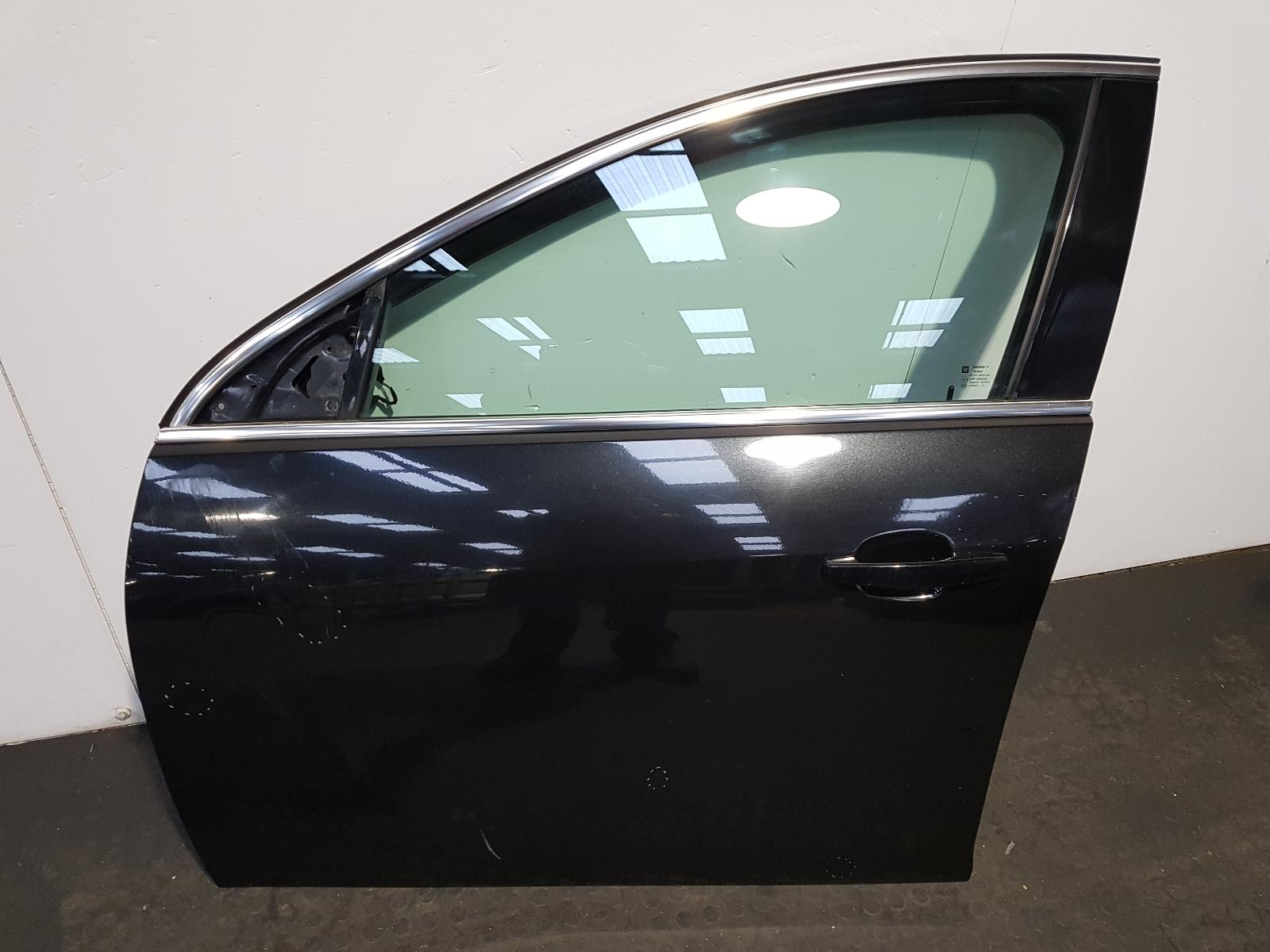 View Auto part L Front Door Vauxhall Insignia 2013