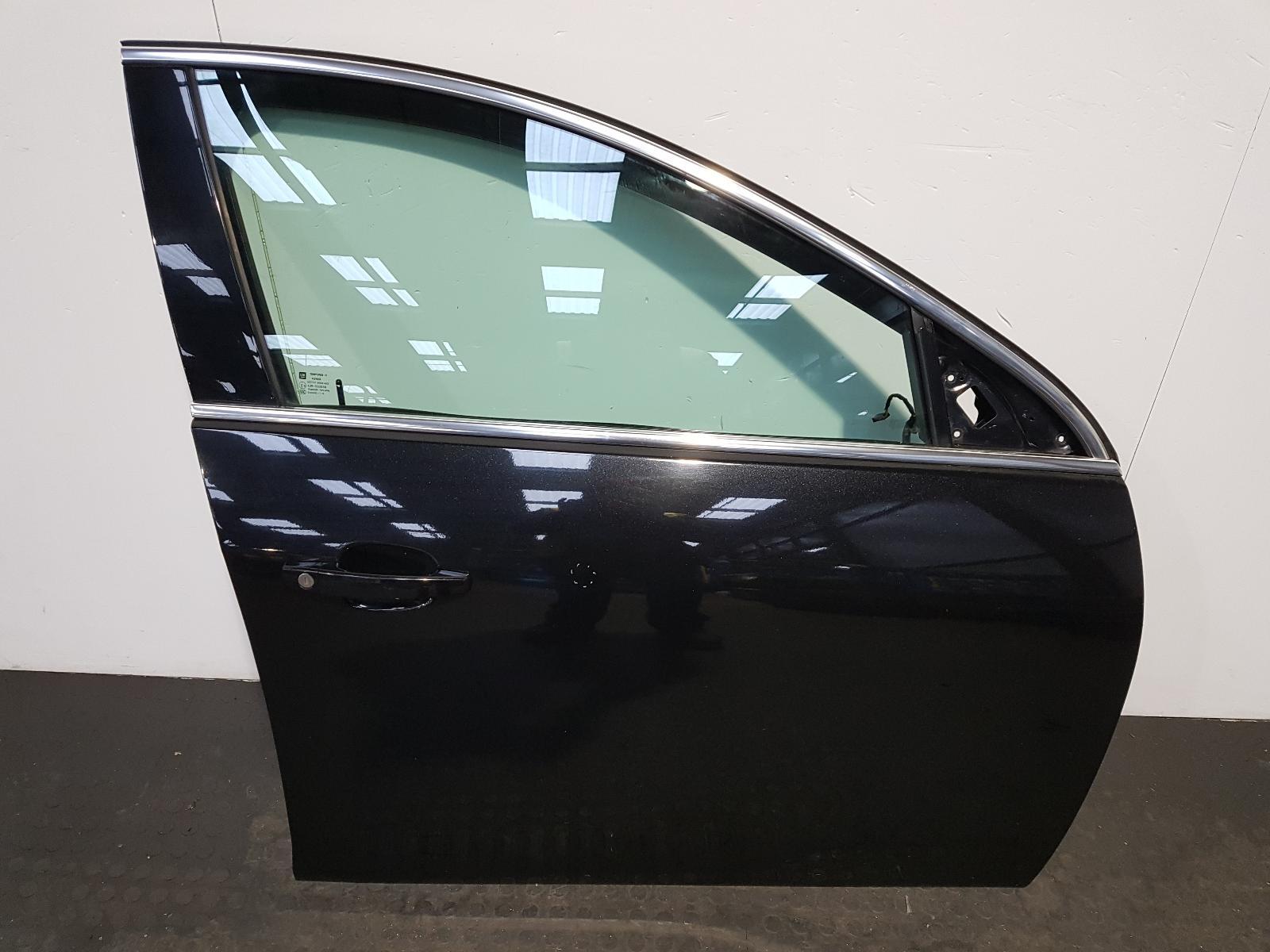 View Auto part R Front Door Vauxhall Insignia 2013
