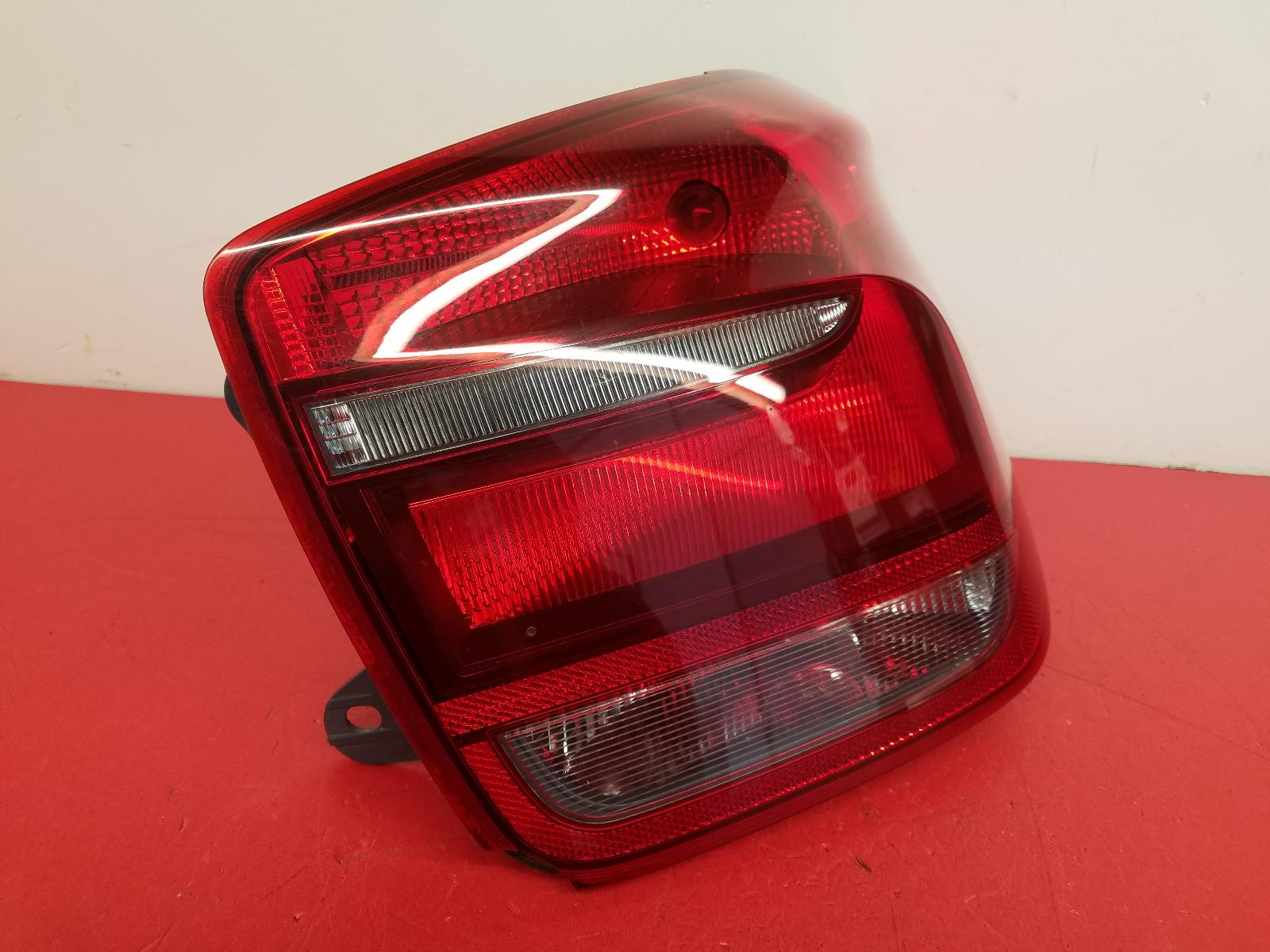 View Auto part R Taillight Bmw 1 Series 2013