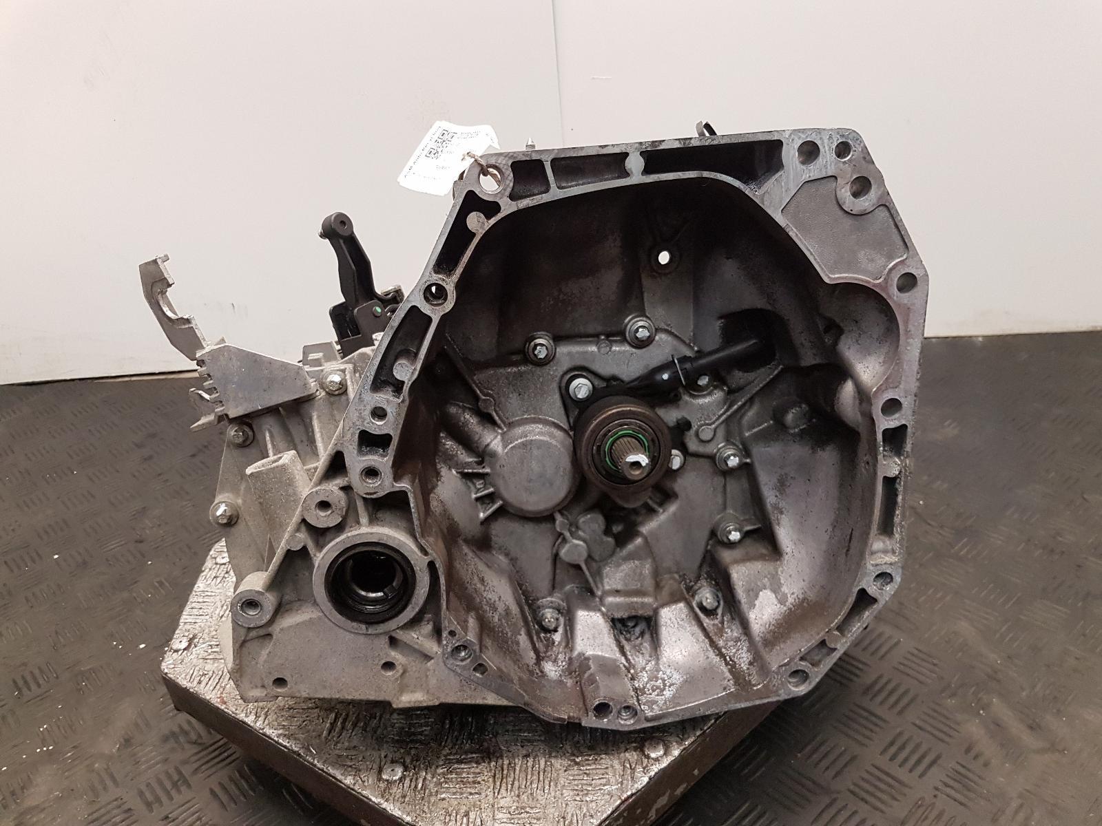 View Auto part Gearbox Nissan Juke 2013