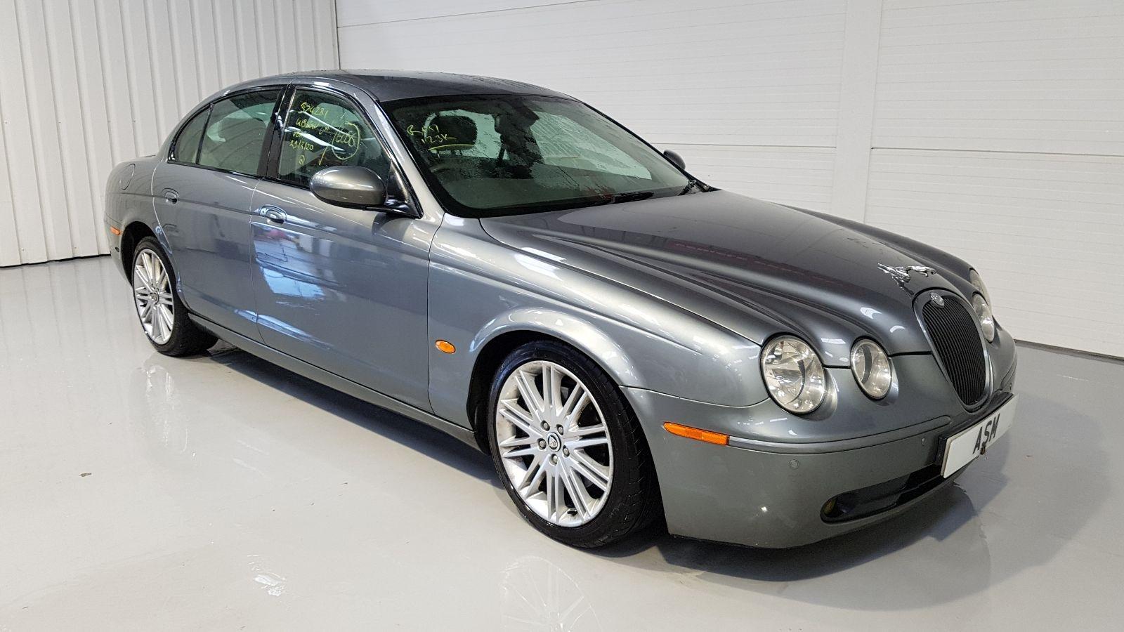 Image for a Jaguar S Type 2005 4 Door Saloon