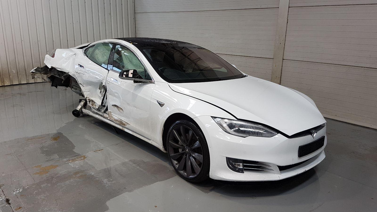 Image for a Tesla Model S 2017 5 Door Hatchback