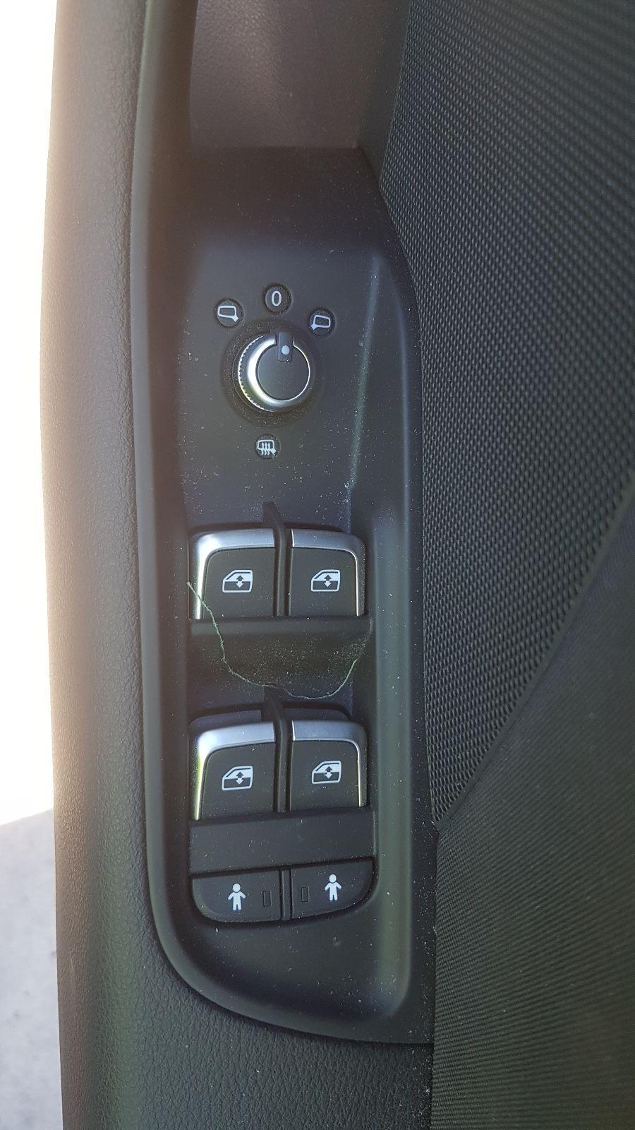 View Auto part RF Door Window Audi A3 2018