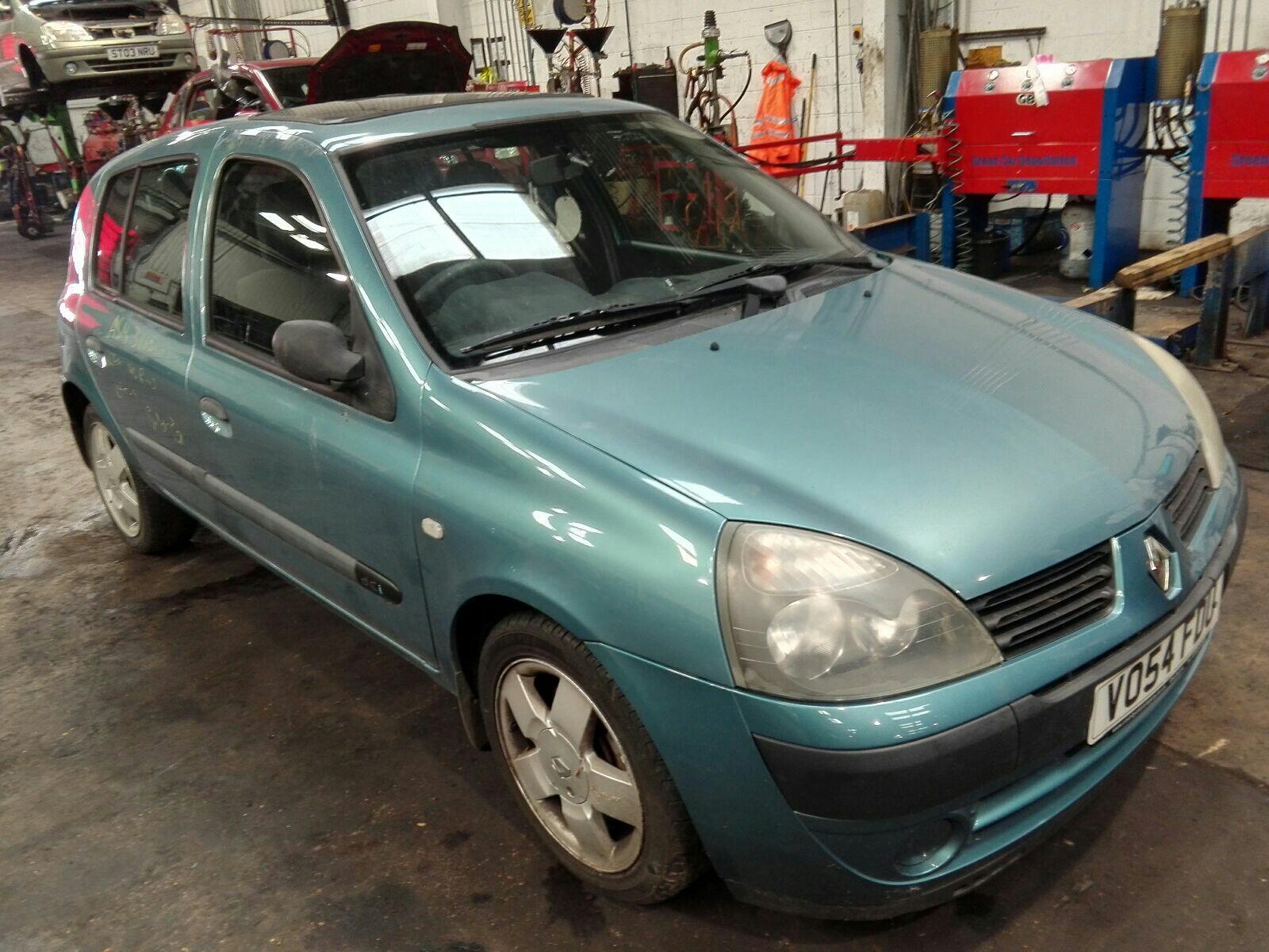 Image for a Renault Clio 2004 5 Door Hatchback
